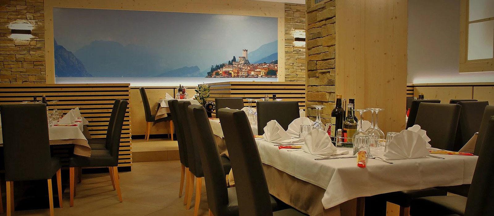 sala interna del ristorante al cervo